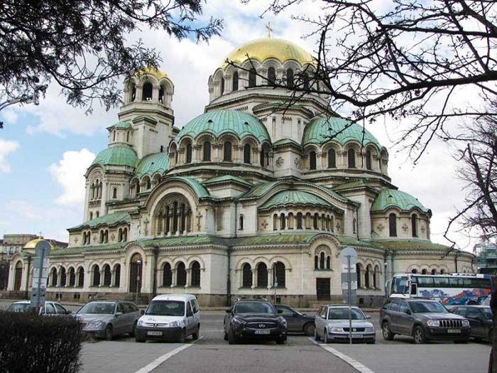 nhà thờ thánh