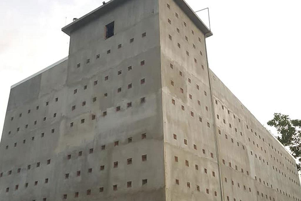 Xây nhà yến bằng tấm xi măng sợi